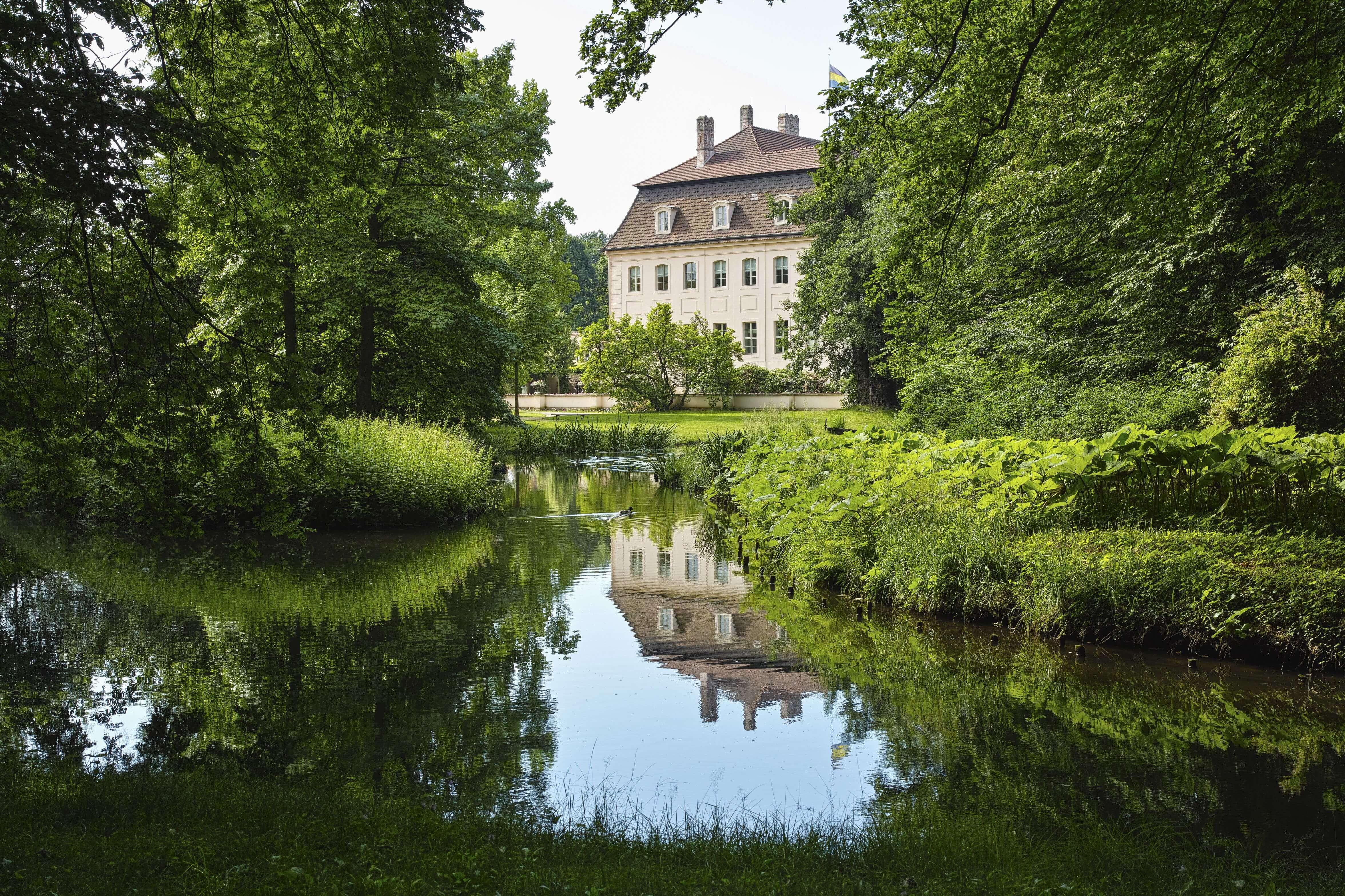 Schloss Branitz - Blick von Brücke