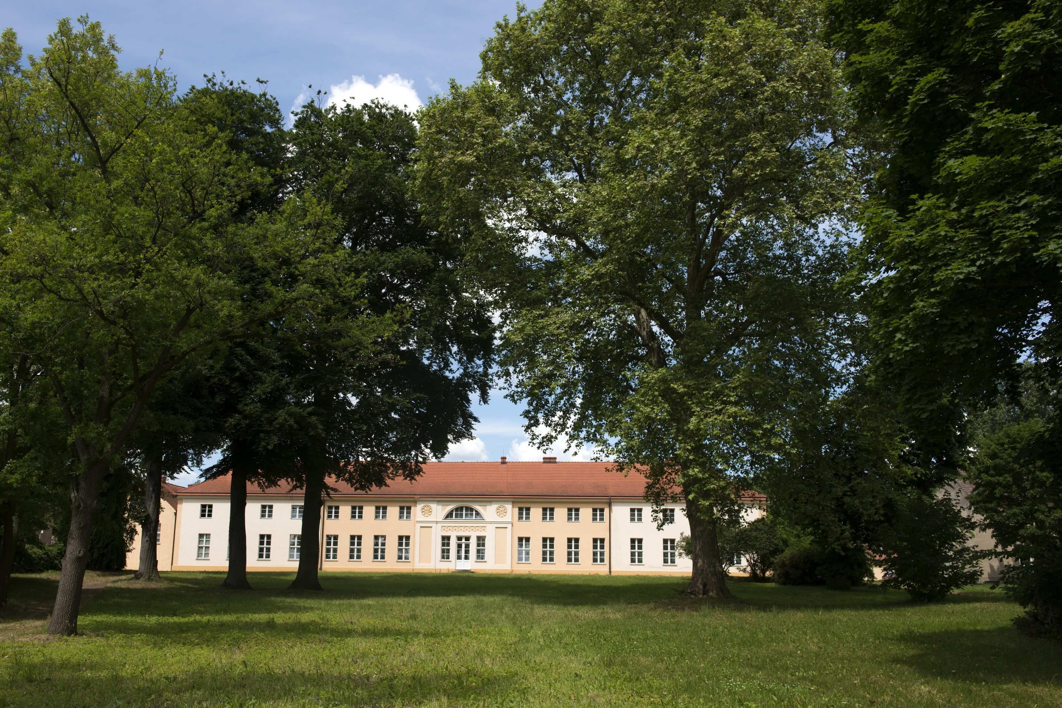 Schloss Paretz - Parkring 1
