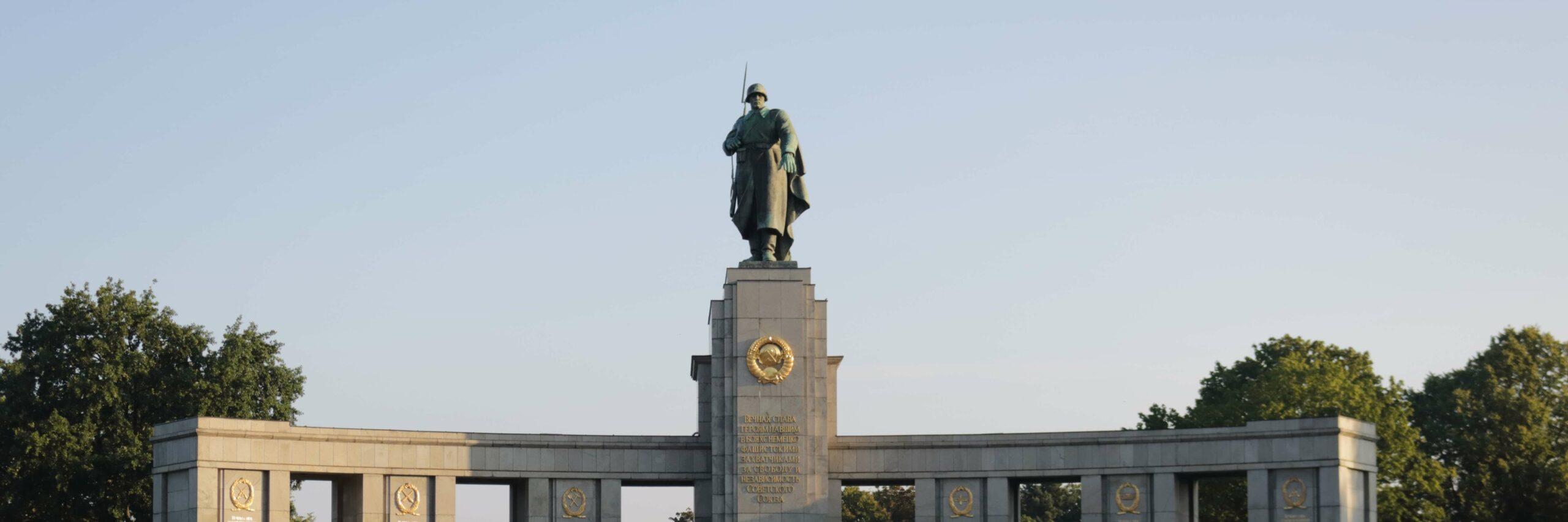 Sowjetisches Ehrenmal - Tiergarten Berlin